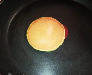 come preparare pancakes matcha cotto image