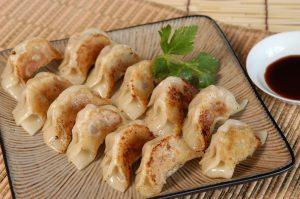 corso gyoza ravioli giapponesi piastra images